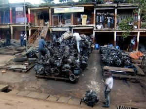 Used auto parts for sale beside Kumasi street