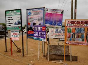 Street corner in Adjiringanor, Accra