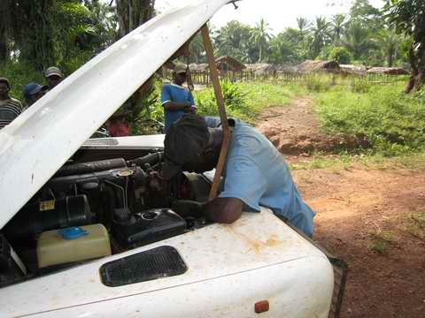 Repairing vehicle on the road 02